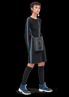 Elegantes Kleid mit Streifen