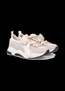 Schuhe mit XXL-Schleife