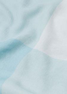 Softes Tuch mit großen Karos