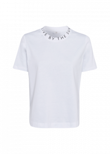 t-shirt with sleeve