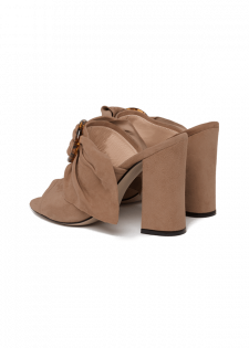 High Mules aus Veloursleder