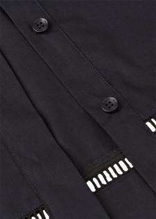 Kurzbluse mit Lochstick-Details